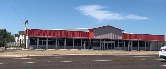 700 S Cedar St image
